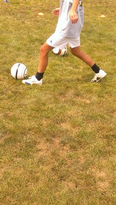 Conteh Academy student demonstrating our 7-touch trainers. #soccer #soccercleats