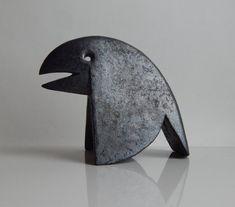 Ceramic sculpture The Crow size: height 120 mm length 180 mm width 80 mm Crow Art, Raven Art, Bird Art, Bird Sculpture, Animal Sculptures, Abstract Sculpture, Ceramic Birds, Ceramic Pottery, Ceramic Art