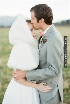 styled winter wedding | CHECK OUT MORE IDEAS AT WEDDINGPINS.NET | #weddings #weddinginspiration #inspirational