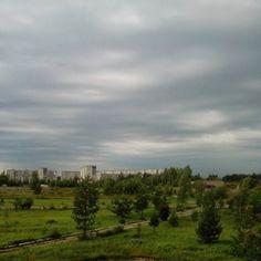 За окном шикарные  облака и цвета и телефон ухитрился не скомкать и передать их вполне неплохо  #небовечноенебо #заокном