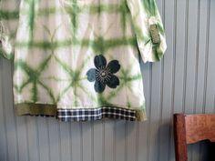 grass green shibori hand tie-dyed geometric pattern applique flower artsy hippie prairie boho tunic ooak refashioned upcycled eco clothing