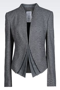 Armani Collezioni Women Dinner Jacket - wool and cashmere Diy Vetement, Work Fashion, Fashion Design, Sporty Fashion, Fashion Beauty, Mode Outfits, Business Attire, Work Attire, Jacket Style