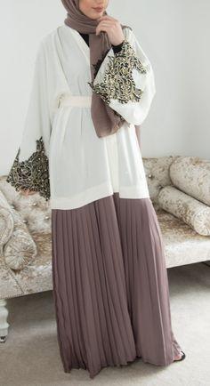 abaya fashion Ayda Abaya - Made To Order Aaliya Collections Arab Fashion, Islamic Fashion, Muslim Fashion, Vogue Fashion, Hijabi Gowns, Hijab Style Dress, Abaya Style, Mode Abaya, Modele Hijab