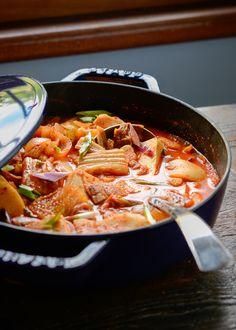 How to Make Kimchi Stew, Kimchi Jjigae (김치찌개)