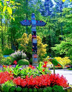 Butchart Gardens, Vancouver/♀ƸӜƷ•¸¸.•*¨*.✿•*☼ Beyond Horizon☼*•✿.¸¸.•*¨*• ƸӜƷ♀  Flowers have spoken to me more than I can tell in written words. They are the hieroglyphics of angels, loved by all men for the beauty of their character, though few can decipher even fragments of their meaning.