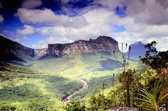 Image: Chapada Diamantina National Park in the state of Bahia. (© Victor Andrade/Getty Images)