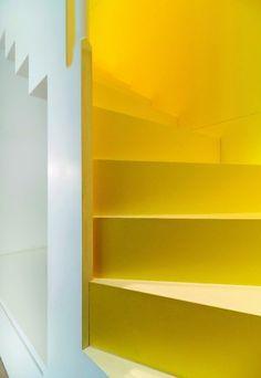 Rauminszenierung auf 40 m² | dds – Das Magazin für Möbel und Ausbau
