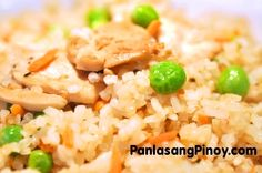 Chicken Fried Rice is a quick and easy Fried Rice Recipe that you can prepare anytime. This recipe uses boneless chicken breast which is low in fat and high in protein. Cooking Fried Rice, Cooking White Rice, Chicken Recipe Panlasang Pinoy, Rice Recipes, Cooking Recipes, Chicken Recipes, Tapas, Asian Stir Fry, Gastronomia