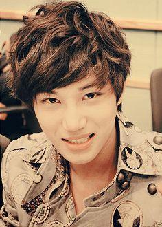 Kai! Your smile is making me DIE!! <3