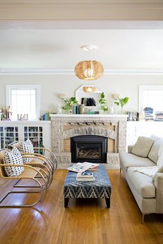 It's always interesting when homeowners make an unexpected choice in their spaces. In these nine rooms, one might expect to see a rug, yet these decorators have chosen to forgo one. It's a slightly more subtle, sparse look that really lets the rest of the room shine. Take a look..