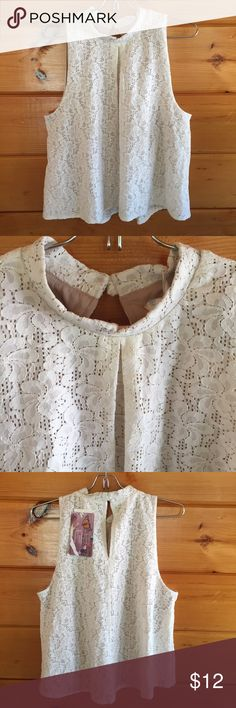 NWT Chic Lace Lined Top L Pretty top Love Fire  Tops