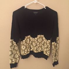Topshop sweater Long sleeve sweater with original tag - never worn Topshop Sweaters Crew & Scoop Necks