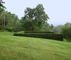 Landscape Inspiration : Residential landscape in Hudson, New York : Landscape designer Deborah Nevins and Gil Schafer in the Hudson Valley #landscapedesign #NewMeetsOld #HudsonValley #GPSchafer #ResidentialGardens