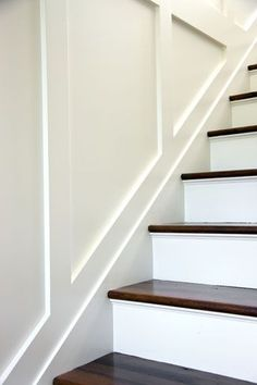 6 Wonderful Cool Tips: Wainscoting Stairs Entryway tall wainscoting high ceilings.Wainscoting How To Bedrooms wainscoting how to bedrooms.Wainscoting Board And Batten Diy Projects. Basement Stairs, House Stairs, Basement Ideas, Open Basement, Modern Staircase, Staircase Design, Staircase Ideas, Small Staircase, Railing Ideas