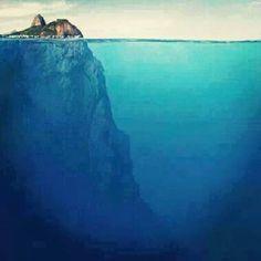 UM PÃO DE AÇÚCAR INÉDITO!!!  Imagem obtida Pelo Pessoal Indústria de Petróleo e Gás, publicada Pela Universidade de São José do Campos   A morfogênese da baía de Guanabara é bastante intrigante . A profundidade na praia Vermelha chega a - 300 metros (fachada oceânica).  Obrigado, DEUS!!!