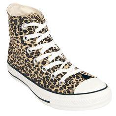 """Du bist wild und willst auffallen? Dann hol dir die """"Leopard Hi"""" All Star Sneaker von Converse. Die ganze Oberfläche ist im Leoparden-Style gehalten. Auf der linken Seite ist jeweils das..."""