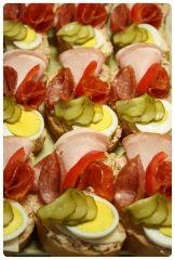 Recepty Archives - Strana 32 z 38 - Meg v kuchyni Caprese Salad, Fruit Salad, Tapas, Wedding Appetizers, Czech Recipes, Snack Recipes, Snacks, Hors D'oeuvres, Buffet