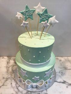 Tarta buttercream lazo, estrellitas y perlitas. Cupcakes, Desserts, Food, Fondant Cakes, Lolly Cake, Candy Stations, Tailgate Desserts, Cupcake Cakes, Deserts