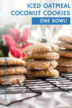 Its never to early to start Christmas baking right? Actually it doesnt have to be Christmas to make these iced oatmeal coconut cookies. These easy cookies are made with just one bowl but still give you the best easiest cookie ever! Baking Recipes, Cookie Recipes, Dessert Recipes, Easy Recipes, Drink Recipes, Good Desserts To Make, Easy Desserts, Chocolate Dishes, Christmas Baking