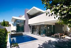 Melbourne home. Pool by Claudio Janczer Swimming Pool Construction
