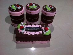 Toples cantik Felt Crafts, Diy And Crafts, Cabanas, Jelly Beans, Felting, Plants, Needlepoint, Felt
