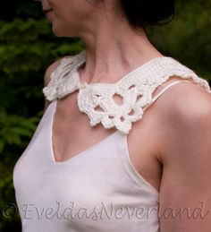 Lovely Detachable #Collar Lace Collar - #fashionable, 'must have' and timeless.  Retro Victorian Romantic Feminine addition to women's clothing.  This little piece will re... #collar #neckwear #white #eveldasneverland #easter