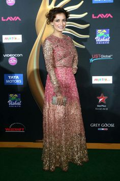 Diya Mirza in #Sabyasachi on #greencarpet for #IIFA 2014 awards #iifa2014