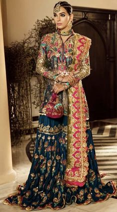 Global market Leader in Ethnic World, we serve End 2 End Customizable Indian Dreams That Reflect with Amazing Handwork & Unique Zardosi Art by Expert Workers Worldwide . Shadi Dresses, Pakistani Formal Dresses, Pakistani Wedding Outfits, Indian Gowns Dresses, Indian Fashion Dresses, Pakistani Bridal Dresses, Dress Indian Style, Pakistani Dress Design, Indian Designer Outfits