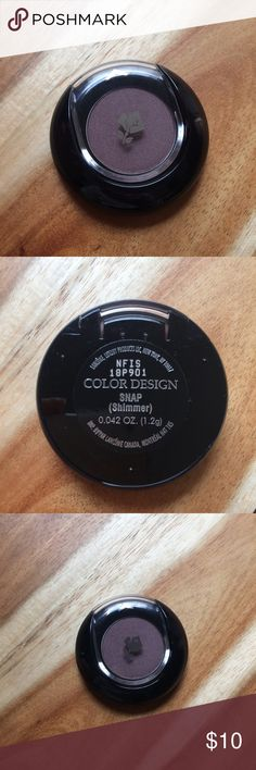 Lancome Color Design Eyeshadow Lancome COLOR DESIGN SENSATIONAL EFFECTS EYE SHADOW SMOOTH HOLD color: Snap Arrived today. 1.2 g(sample size) New without box/tag Never used/tested. Bundle to save! Lancome Makeup Eyeshadow