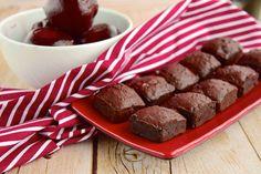 Řepové brownies bezmouky - Proženy Smoothie Detox, Oreos, Kitchenaid, Brownies, Ham, Sausage, Cereal, Paleo, Low Carb