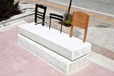 Curiocity is a bench and an installation. It has been commissioned by the municipality of Rhodes (Greece) for the new square of the town. It...