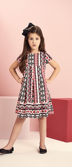 Frocks For Girls, Girls Party Dress, Little Girl Dresses, Girls Dresses, Kids Dress Wear, Mom Dress, Baby Girl White Dress, Baby Dress, Simple Gown Design