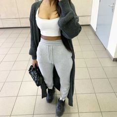 View all pictures, buttons and outfits from Iam.nxsh ( on 21 Buttons Cute Lazy Outfits, Cute Swag Outfits, Basic Outfits, Dope Outfits, Teen Fashion Outfits, Fall Outfits, Winter Birthday Outfits, Pastel Outfit, Tomboy Fashion