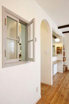 Interior Windows, Room Interior, Natural Interior, House Rooms, Bathroom Medicine Cabinet, Beams, Ideal Home, New Homes, Indoor