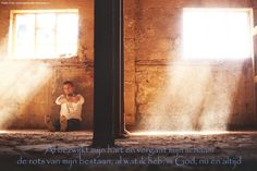 Al bezwijkt mijn hart en vergaat mijn lichaam, de rots van mijn bestaan, al wat ik heb, is God, nu …