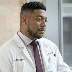 New Amsterdam shocked fans in the episode Code Silver. The NBC series suggested Reynolds, played by Jocko Sims, is leaving the show. Rikers Island, Hgtv Star, New Tv Series, New Amsterdam, Grey's Anatomy, Country Living, My Boys, Royals, Sims
