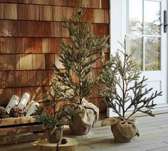 cool-diy-decorating-ideas-for-christmas-front-porch_19 - family holiday.net/guide to family holidays on the internet