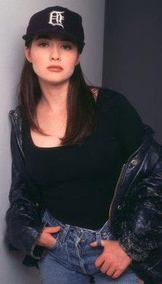 Shannen in Beverly Hills 90210 - Fashion Beverly Hills 90210, 90210 Fashion, Love Fashion, Winter Fashion, Steve Sanders, Serie Charmed, Shannen Doherty, 90s Outfit, Beautiful Actresses