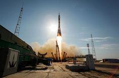 расивый старт корабля «Союз ТМА-04М» с космодрома Байконур, 15 мая 2012.