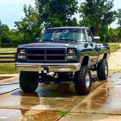 1991 Dodge 2500 submitted by: @_clay.2_ #lmctruck #dodge #2500