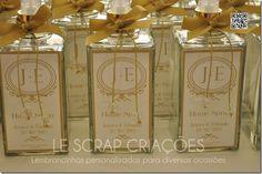 Home Spray modelo quartier 330 ml para o casamento da Jessica. Esta lembrancinha foi despachada para a cidade de Florianópolis/SC.  Mais informações você poderá visualizar em nossa loja virtual www.lescrapcriacoes.com ou entrar em contato através do e-mail:lescrapcriacoes@hotmail.com.