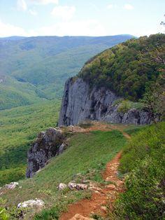 Что посмотреть в Крыму? Окрестности Большого каньона. Барская поляна, гора Орлиный залёт, водопад Серебряные струи