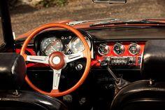 Ah.... miss that steering wheel....  Alfa Romeo Spider 1750 Veloce, cockpit