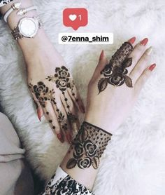 Top 25 Bracelet Mehndi Designs For All Occasions Finger Henna Designs, Bridal Henna Designs, Henna Designs Easy, Henna Tattoo Designs, Stylish Mehndi Designs, Beautiful Mehndi Design, Best Mehndi Designs, Arabic Mehndi Designs, Hena Designs
