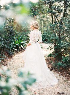 THE WHITE STUDIO - http://weddingsparrow.co.uk/2014/05/13/ethereal-lace-bridal-inspiration/