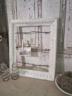 repurposed barbed wire | Rusty Barbed Wire Vintage Frame Seating Chart - Photo Display ...