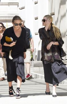 MARY-KATE   ASHLEY OUT IN NEW YORK CITY