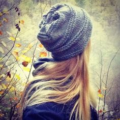 Baggy Fall Hat by Katrine Hammer ~ Aran ~ FREE pattern Cute slouchy hat knitted in soft merino wool. Knitting Patterns Free, Knit Patterns, Free Knitting, Free Pattern, Loom Knitting, Knit Or Crochet, Crochet Hats, Fall Patterns, Fall Hats