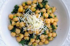 Liven up your lunch routine with this vibrant garlic, lemon, and parmesan seasoned chickpea salad.