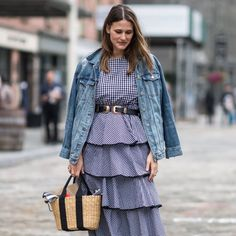 The Fashion Week crowd stepped out for the shows, bringing a New York Fashion Week Street Style, Spring Street Style, Chic Winter Outfits, Fall Outfits, Cinema Outfit, Star Fashion, Autumn Fashion, How To Wear, Exercises